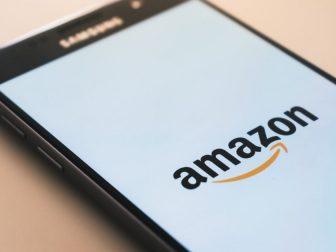 Amazon splash screen on a Samsung phone