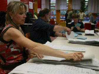 The polls closed at 6 p.m. in Germany on Sept. 27, 2009, and the ballot counting began.